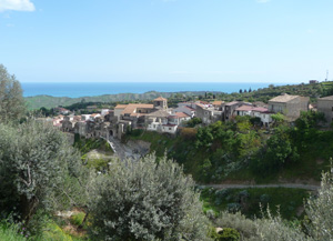 The small town of Riace in the Italian region of Calabria, has gained worldwide attention through its innovative approach to dealing with refugees, about 200 of whom have settled there among the 1700 inhabitants, revitalising the village and preventing the closure of the village school. PHOTO: Wikimedia Commons MUST CREDIT free to use